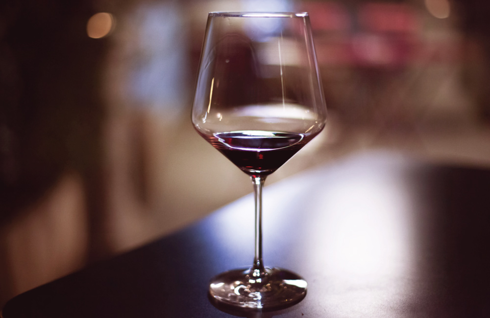 Why and how to decant wine? – The art of decanting